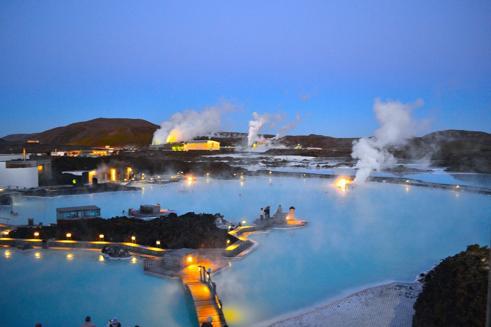 Blue Lagoon Hot Springs Image Credit: andreaervin.com