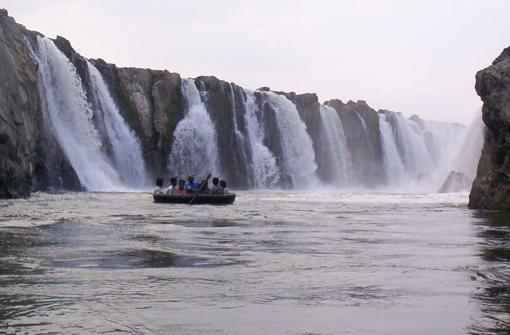 Puttu on it's way across the falls Image Credit: Wikimedia