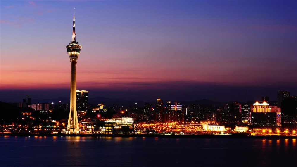 Macau-Tower_Blaze press.jpg