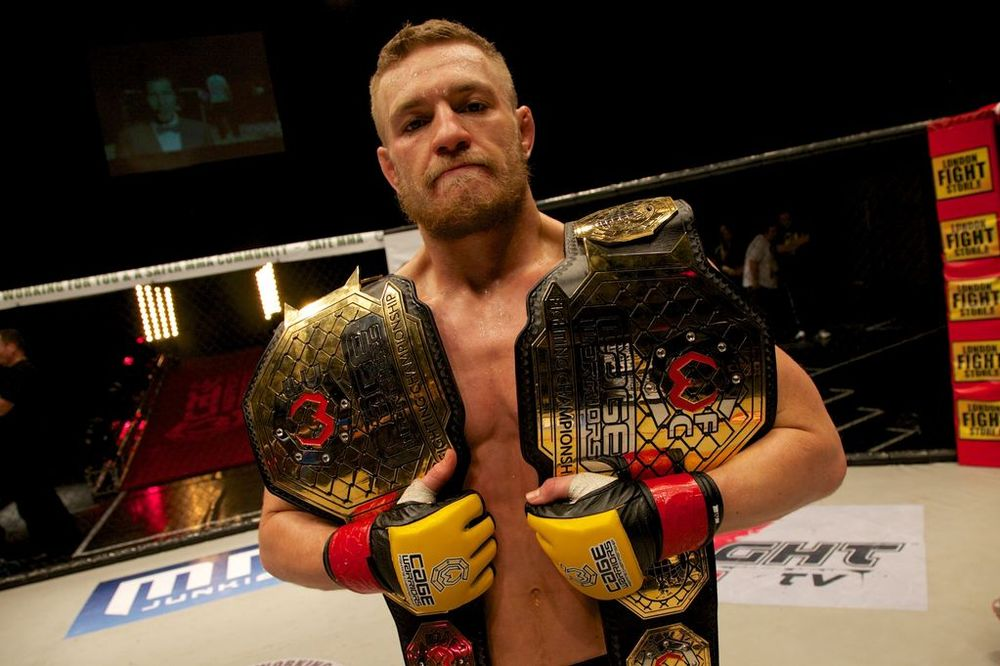 (C) Dolly Clew, Cage Warriors