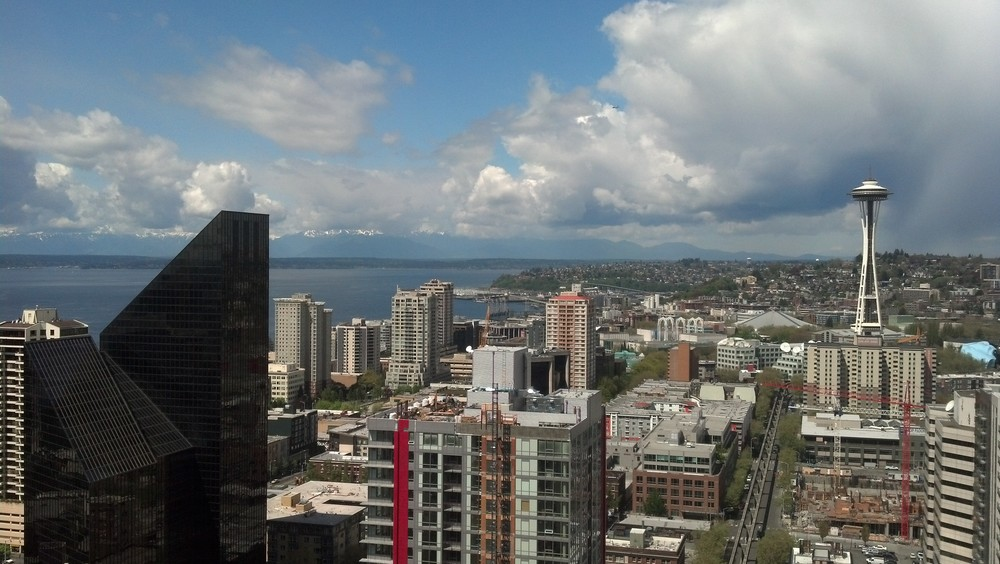 2013 04.29 Seattle skyline 02.jpg