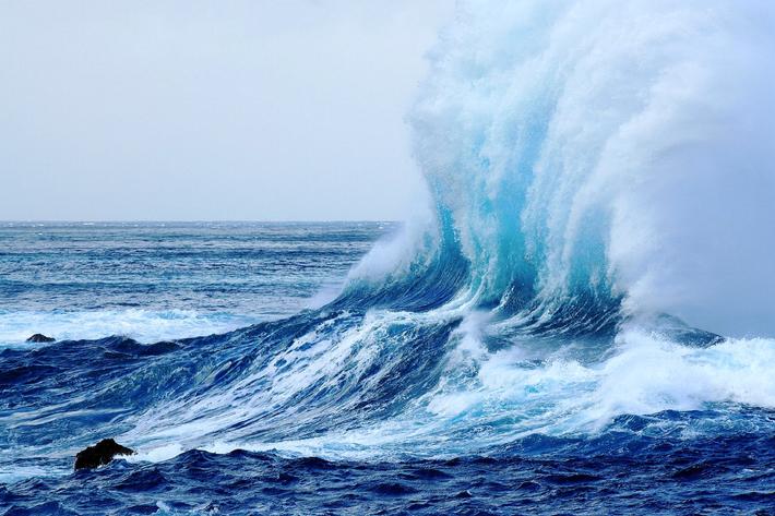 ode to the ocean porto moniz madeira wave