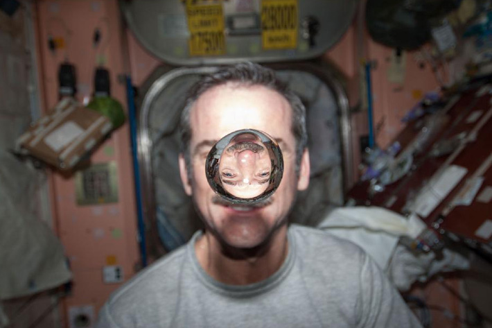 chris hadfield commander iss space mission