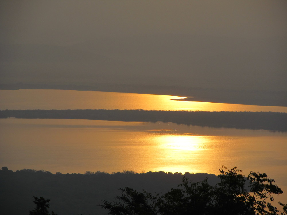 Sunrise over Lake Ihema.
