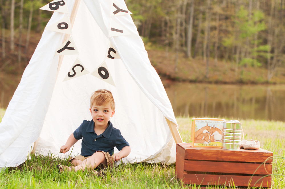 Alena is expecting a baby boy, so we collaborated on this teepee & bunting. BOYS ONLY felt very appropriate!