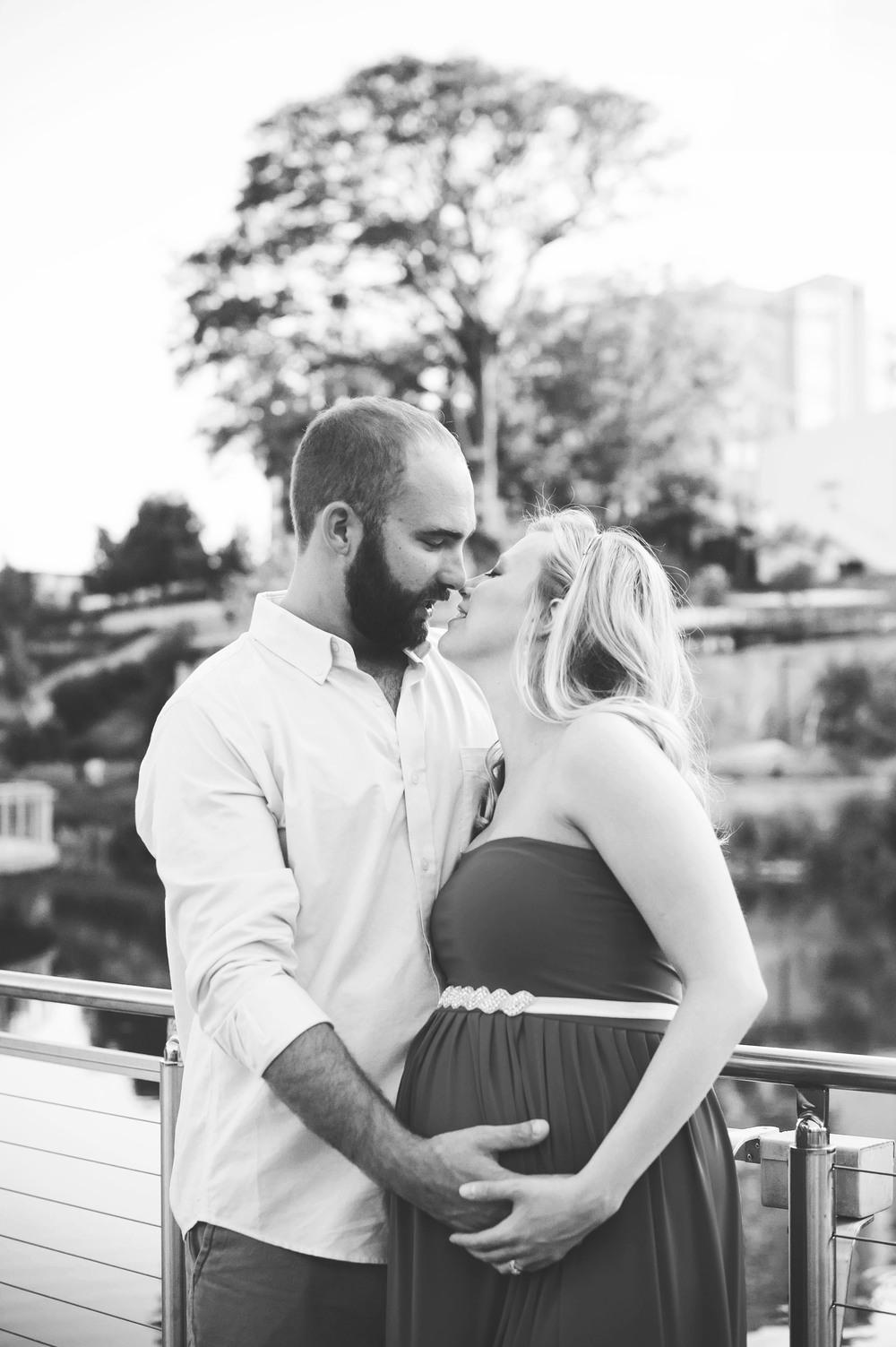 Olivia + Zach Maternity-34BW.jpg