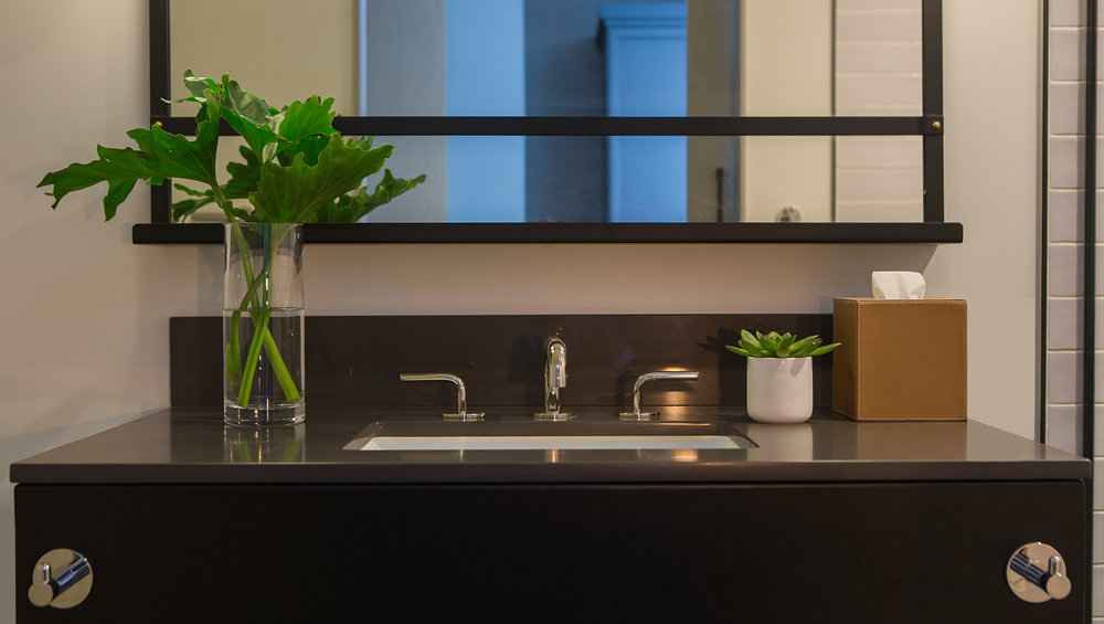 kimpton-everly-hotel-hollywood-bathroom-sink-d9e67b70.jpg