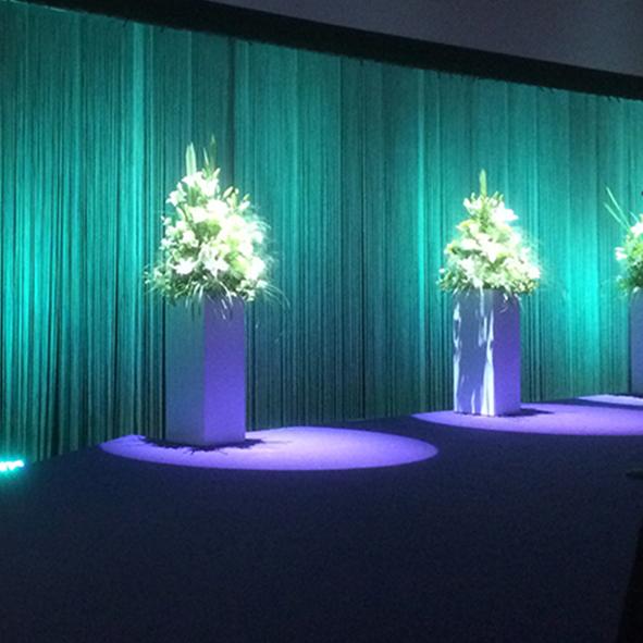Piedestaler för blomsterarrangemang 150:-