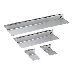 Aluminiumfötter, passar bra till större golvstående skyltar.  350:-