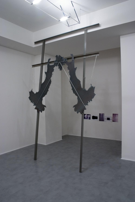 Luciano Fabro, Italia porta
