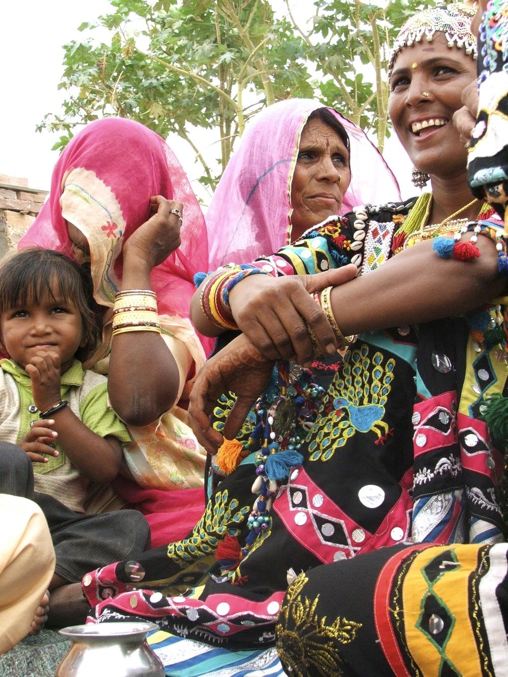 Suwa Devi Kalbelya - FAMILY © Edith Nicol, 2009.jpg