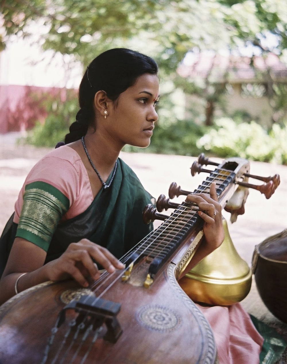 Veena class, Kalakshetra Foundation, Chennai, 2003© Sébastien Pierre