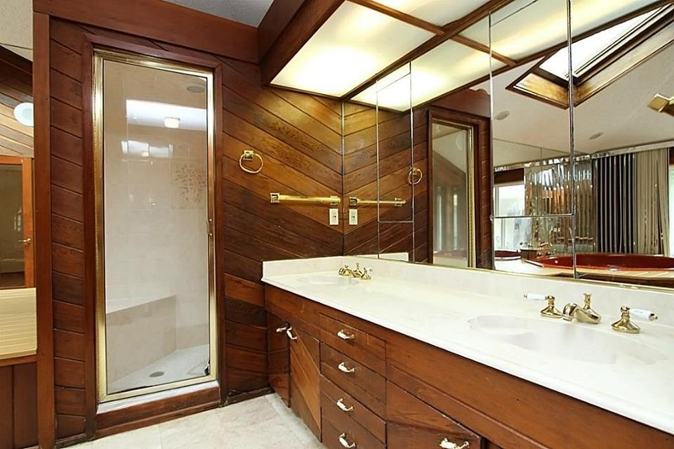 BEFORE. Master Bath. As seen in my last post. 70s bathroom in tact. But we changed it.