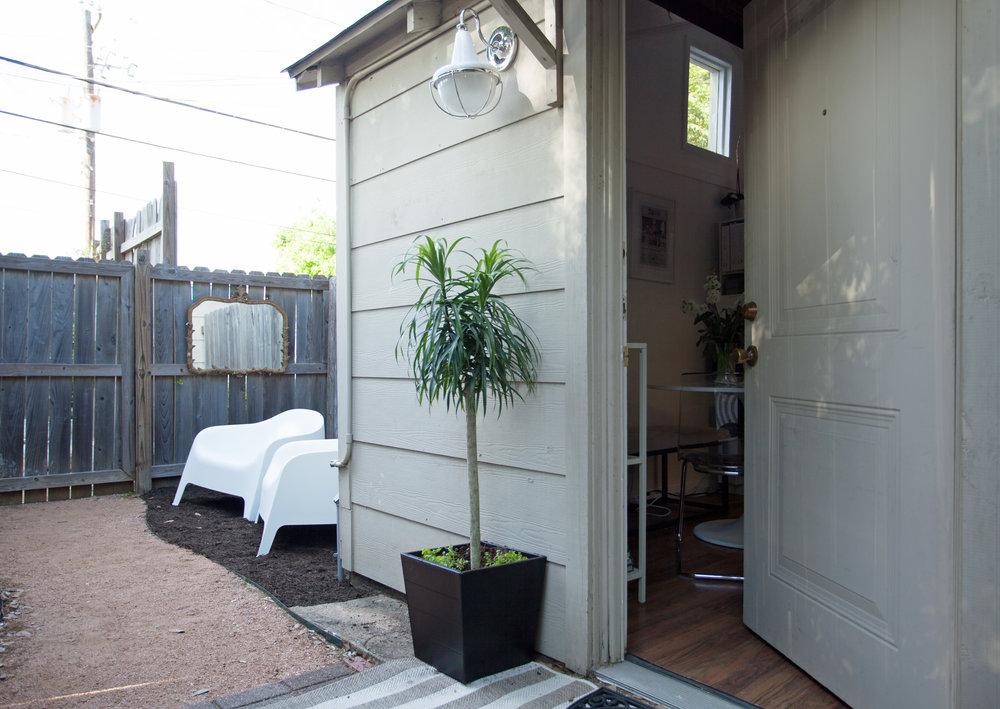 Outside of Houston Interior Designer Jamie House's small Montrose office