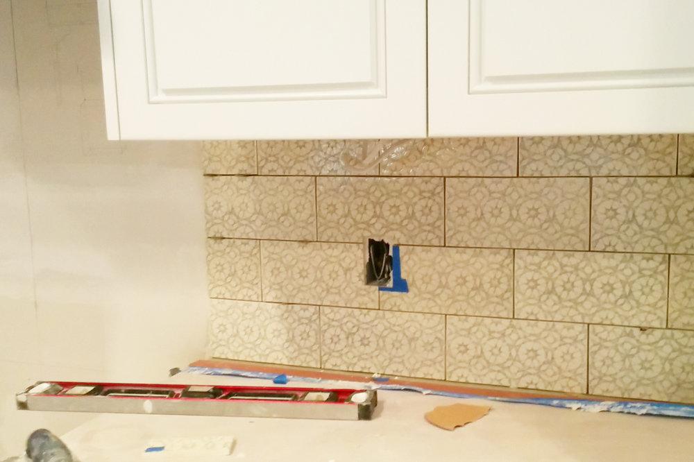 Pratt and Larson handcrafted tile on Houston kitchen remodel backsplash.