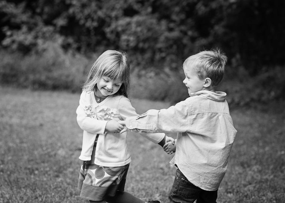 San Ramon Family Photographer ©ninapomeroy.com siblings children families twins brother sister dance hands
