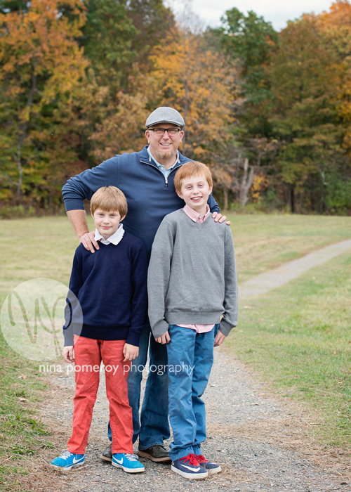 lifestyle portraits of father and sons by ninapomeroy.com