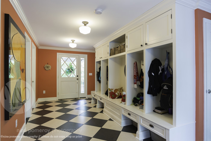 connecticut mudroom interiors photography ninapomeroy.com