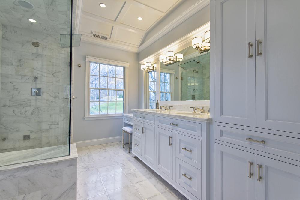 Pleasanton Photographer for real estate by Nina Pomeroy. White marble bathroom  ©ninapomeroy.com