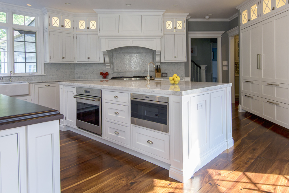 double-island-white-kitchen-interiorsphotography-ninapomeroy-connecticut.jpg