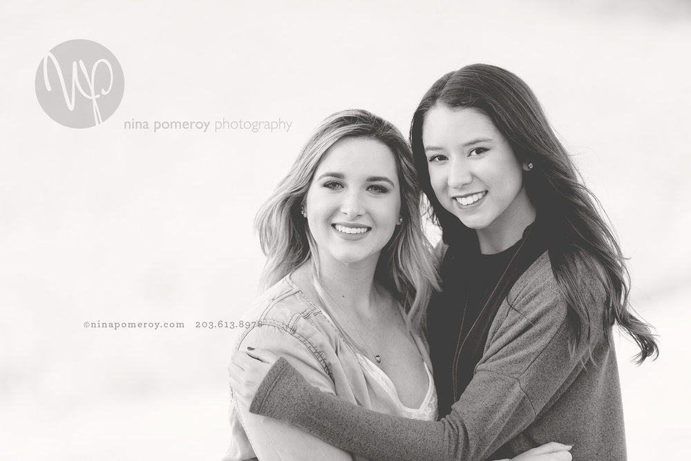 best friends together having their senior photos taken in San Ramon by Nina Pomeroy