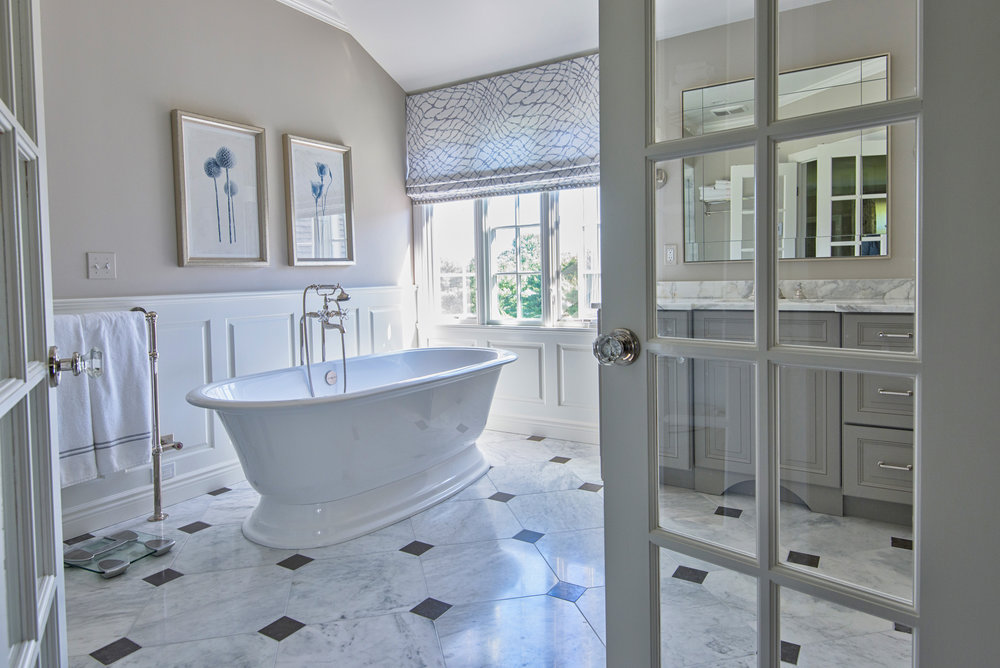 luxury bathroom interior design photography. Bay Area Photographer ©ninapomeroy.com