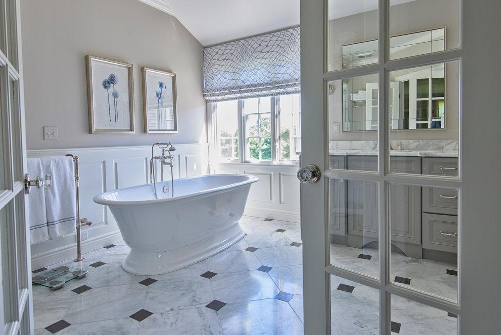 luxury bathroom interior design photography. Bay Area House Photographer ©ninapomeroy.com