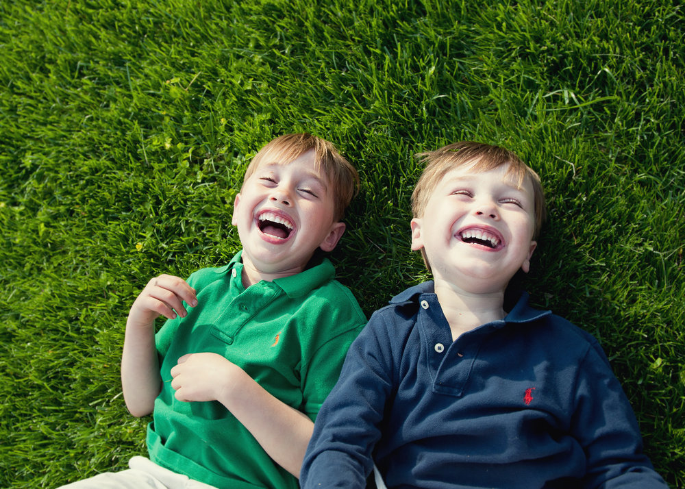 brothers-sibling-portrait-connecticut-photographer-ninapomeroy.jpg