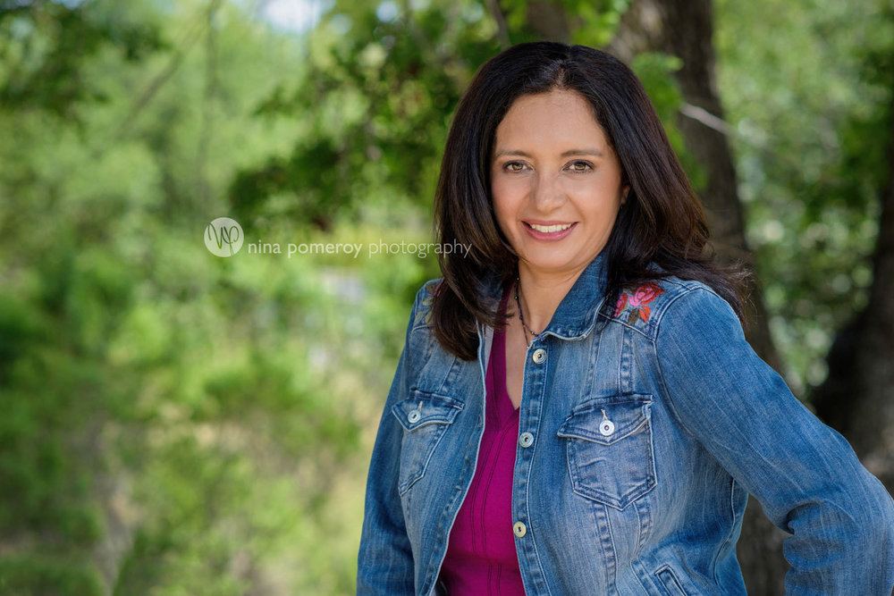 woman-headshots-in-the-eastbay-by-nina-pomeroy-photography.jpg