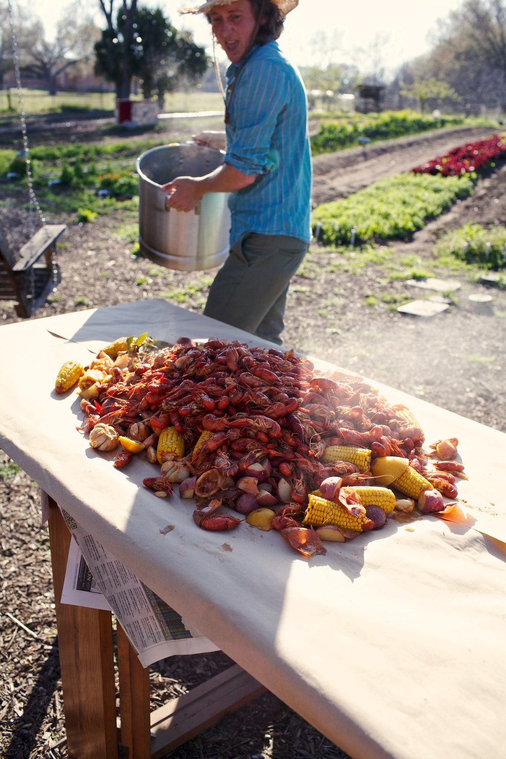 CrawfishBoil4_Tribeza.jpg