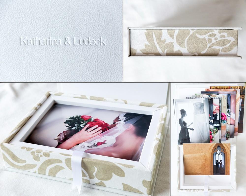 Fotobox in Leder mit Namensprägung und Stoffeinband außen. Innenteil in weißem touch Material. Inhalt 10 Fotos auf Karton mit Abmessungen 10 x 15 cm.