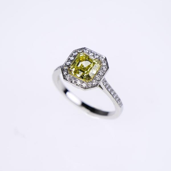 yellow diamond ring 250ct.jpg