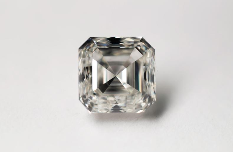 2.7ct ascher cut diamondsmall.jpg