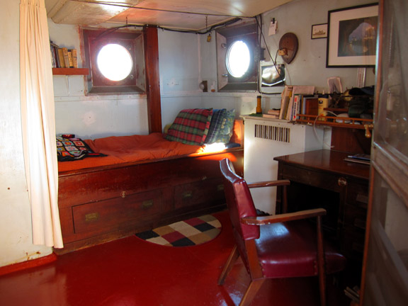 120409 Whalen captains cabin 012 sm.jpg