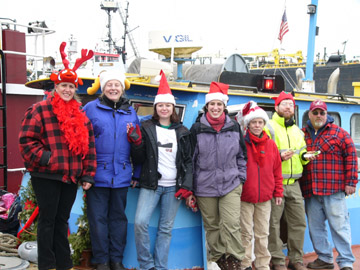 2006 Operation Xmas Cheer elves sm.jpg