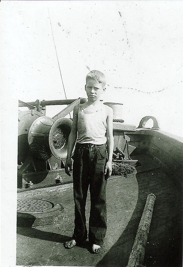 J. Don Horton Barge Cohasset 1942.jpg