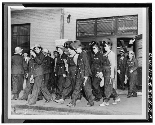 WWII welders at Todd downloaded from our site.jpg