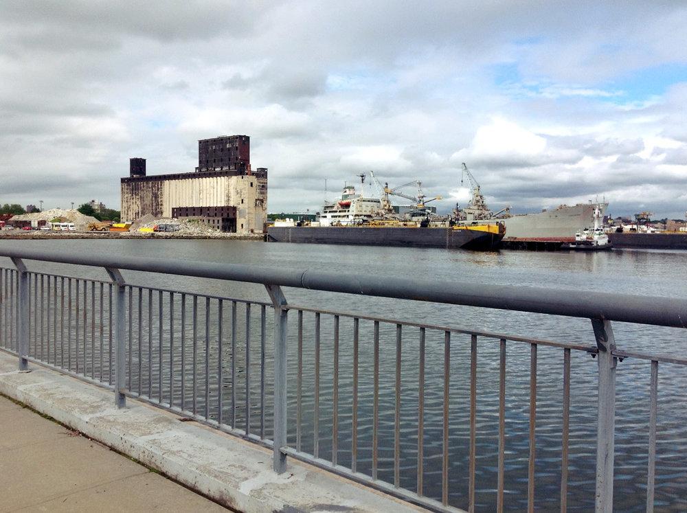 LOUJAINE Vane tug+barge.jpg