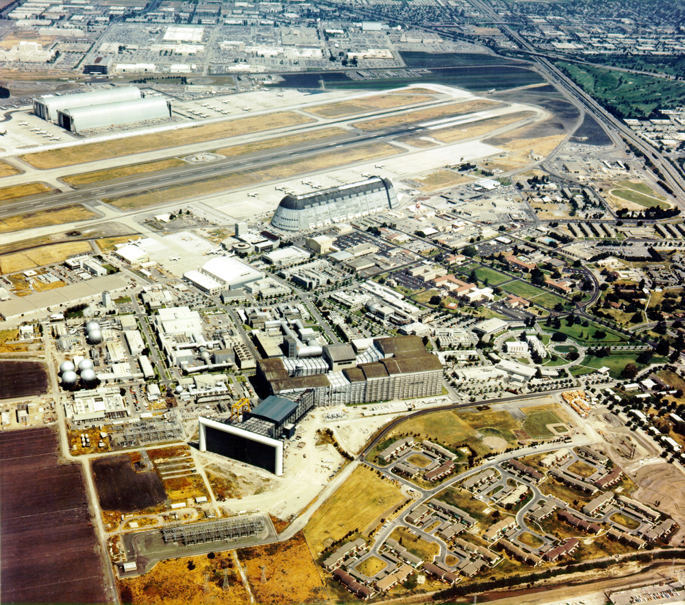 Aerial_View_of_the_NASA_Ames_Research_Center_-_GPN-2000-001560.jpg