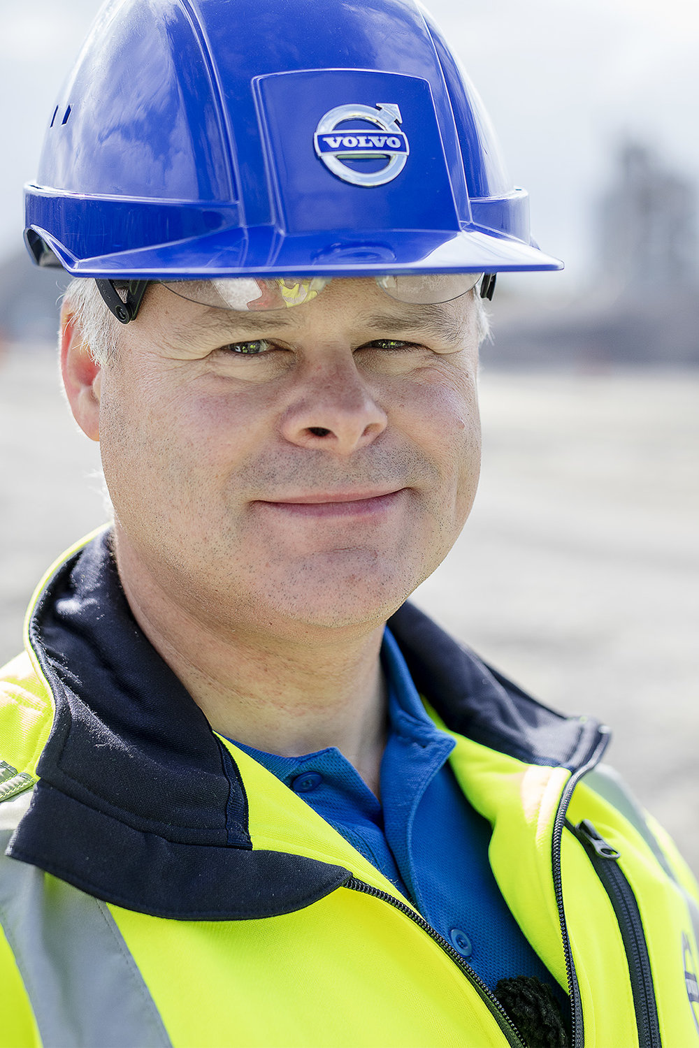 """13-09-2016. GÖTEBORG/GOTHENBURG.The app """"Load Assist"""" installed in the machine. An application of the future to help machine operators get smarter and more accurate details of their load.FOTO: Gustav Mårtensson"""