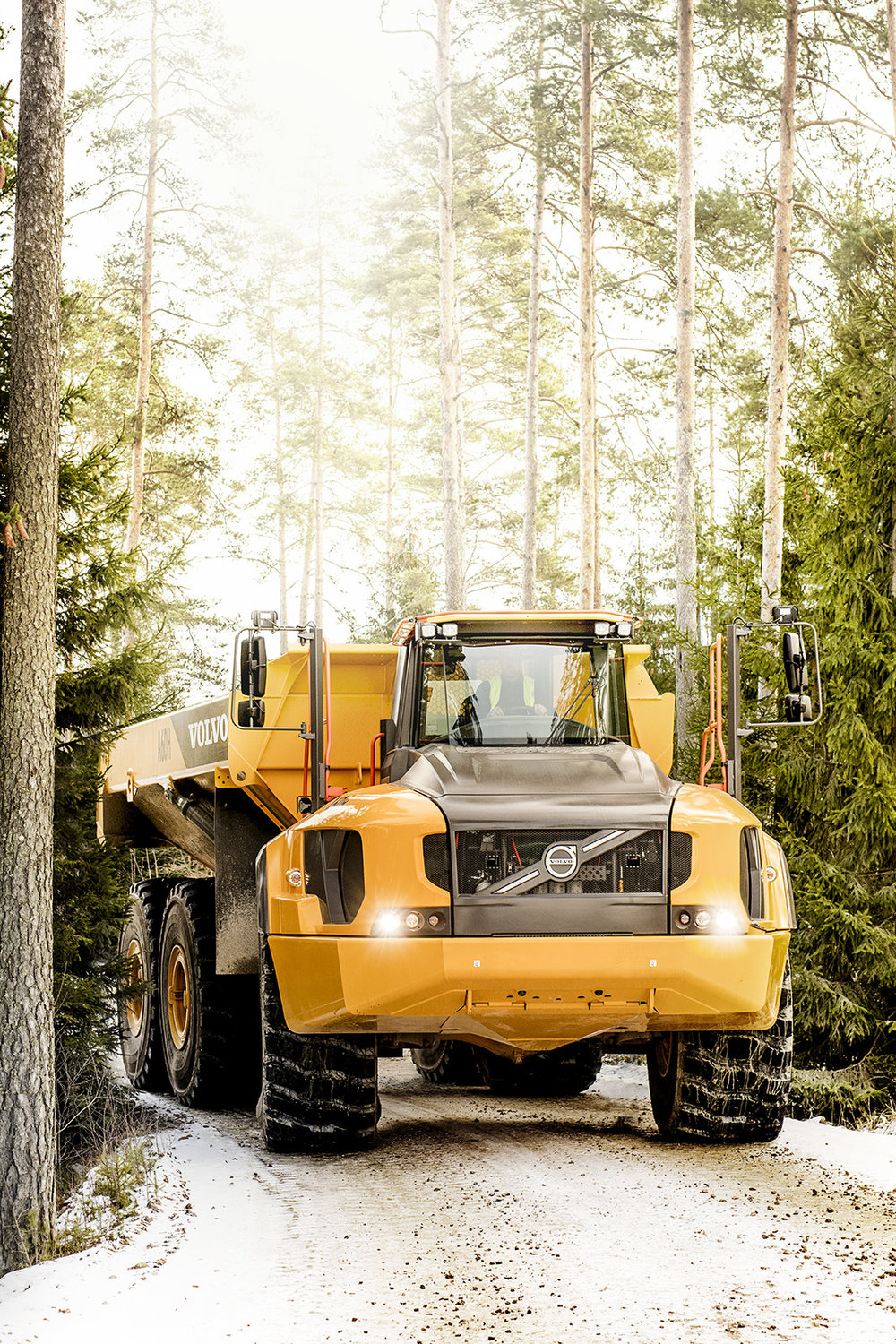 19-02-2016. Barås.The brand new Articulated Hauler. The team at Volvo Construction Equipment in Braås is trying the machine out at their testing fleld, tweaking it and building demos in the factory.Foto: Gustav Mårtensson
