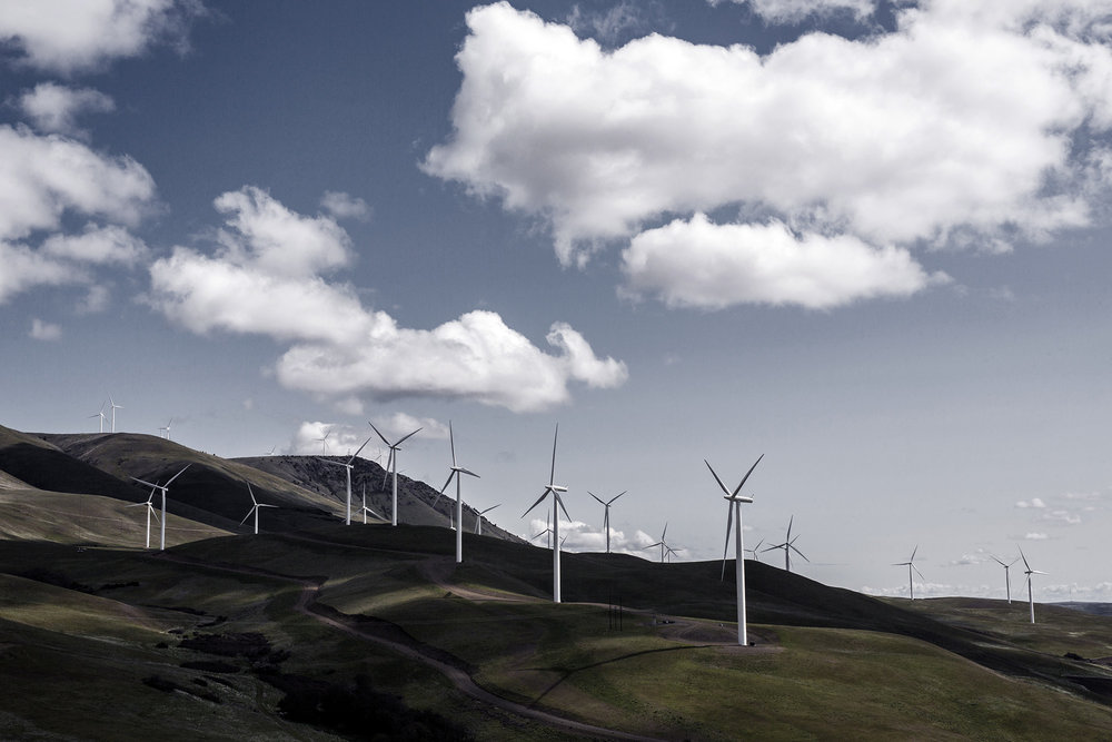 Views of wires, grids and wind turbines located near The Dalles, Oregon and Washington state, USA. Foto: Gustav Mårtensson / ABB