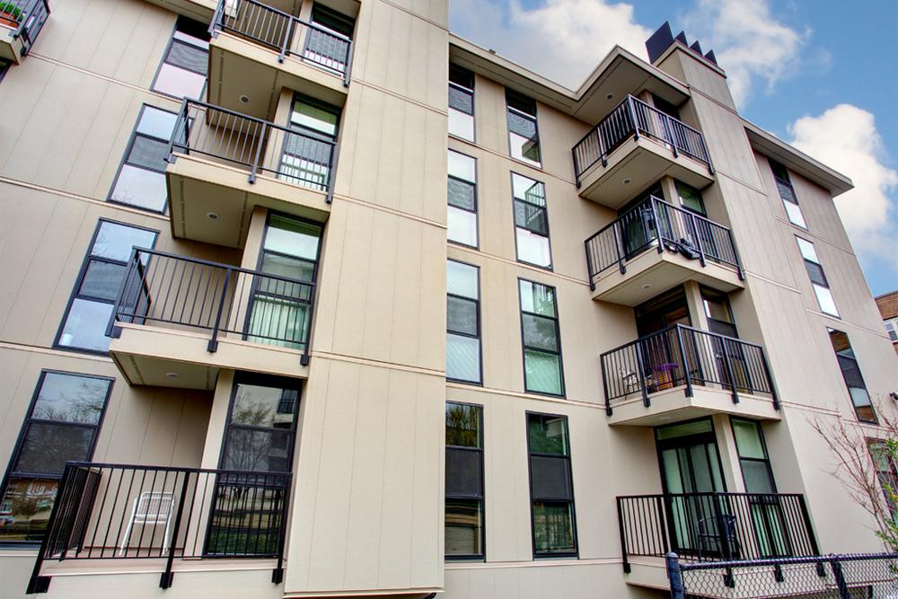 La Pergola Condominiums
