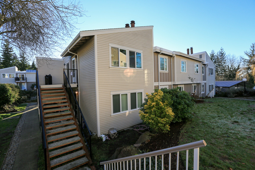 Evergreen Villa Condominiums