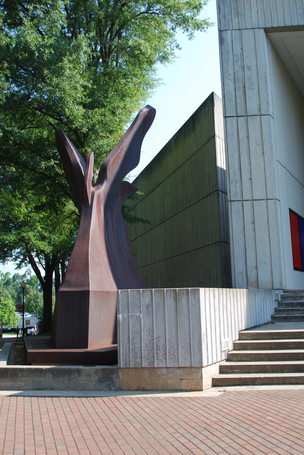 I have always loved this Richard Hunt sculpture that greets one at the entrance of the museum.