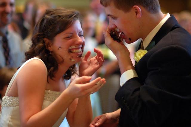 wedding+cakecut.jpg