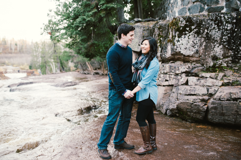 vicky + brandon ; two harbors, mn engagement session (www.lydiajane.com)