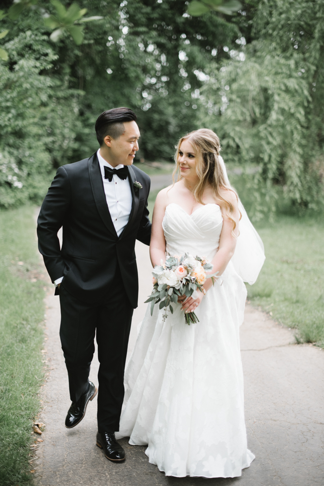 Madison + Zane | Meadowlark Botanical Gardens Wedding | Photos by Lydia Jane (www,lydiajane.com)