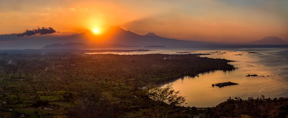 Bali_Komodo_2015_sunsetbali_1500pano.jpg