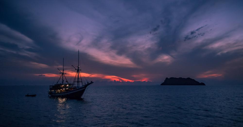 sailingboat_2000.jpg